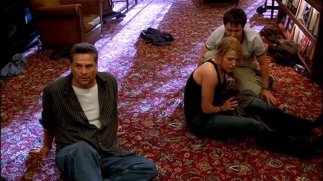 Without a Trace - 1x23 - Fall Out (2)