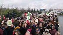 Küçükçekmece köprüsünden seslenen İstanbullular: Kanal istanbula geçit yok