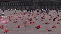 멕시코시티 광장서 성폭력 항의 '빨간 신발' 시위 / YTN