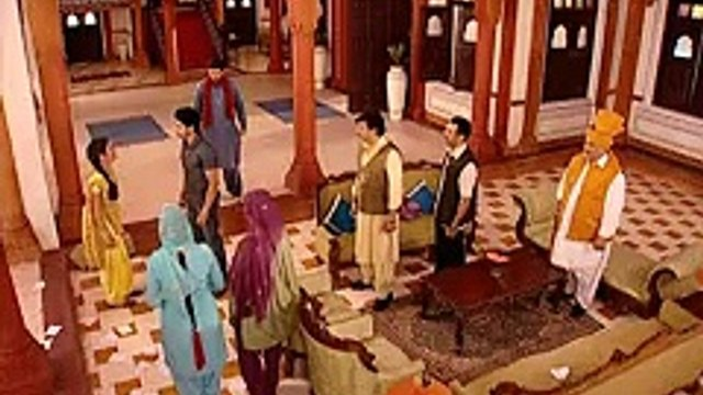 Geet Hui Sabse Parayi - Episode 28 - Geet Spoils the Papers
