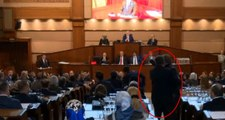 İBB Meclisi'nde gergin anlar! AK Partili meclis üyesi, İYİ Partili ismin üzerine yürüdü