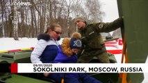 شاهد: لعبةُ الحرب والسلام في موسكو.. دبّاباتٌ للترفيه فقط