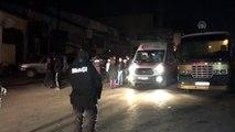 Karabük'te oto döşemecide çıkan yangında 1 kişi yaralandı