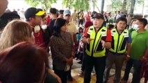 Robredo visits evacuees in Sta. Teresita, Batangas, distributes relief goods