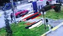 Yaşlı kadın çekicinin kaldırdığı araçtan düştü