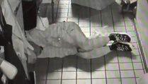 Le cambrioleur d'un fast food se fait des frites et s'endort !