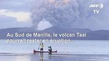 Le volcan des Philippines recouvre les villes de cendre