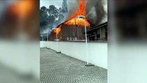 Fogo atinge galpão de madeira na zona Oeste de Joinville (SC)