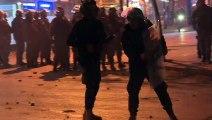 الشرطة تطلق الغاز المسيل للدموع لتفريق المتظاهرين في بيروت