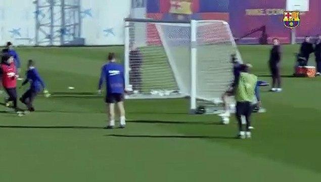 Le beau geste d'Antoine Griezmann pour marquer à l'entraînement du FC Barcelone