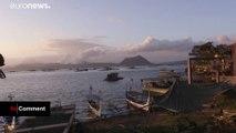 Autour du volcan Taal aux Philippines, le paysage est devenu noir
