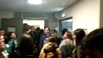 200 manifestants ont envahi les étages de la Direction Académique des Services de l'Education Nationale à Grenoble