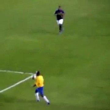 Quand Robinho humiliait un défenseur comme jamais