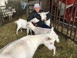 VIDEO.Sud-Touraine. Lydia se bat contre son cancer avec ses chèvres