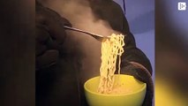 The Russian cold freezes instant noodles in the air