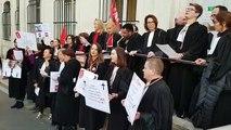 Les avocats en grève à la cour d'appel de Nancy chantent Bella Ciao
