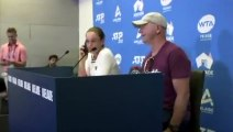 Tennis star Ashleigh Barty answers journalist's phone call during press conference
