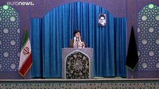 Ayatollah lidera orações no Irão e apela à união contra ameaças