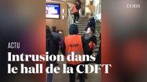 Des manifestants s'introduisent au siège de la CFDT