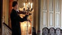 La sonnerie d'un téléphone interrompt ce violoniste, sa réaction est incroyable