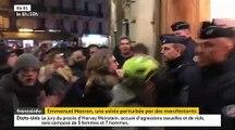 L'image de la nuit: Emmanuel et Brigitte Macron exfiltrés hier soir d'un théâtre Parisien où il se trouvaient, alors des des dizaines de manifestants tentaient de pénétrer dans les lieux