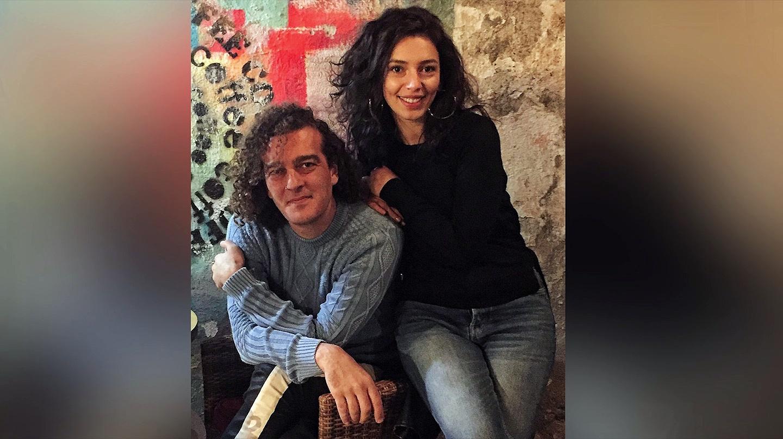 Sobe | Gazeteci Yiğit Karaahmet oyuncu Ezgi Çelik'e anlattı: Bu çağda homofobik olmak aşırı avam