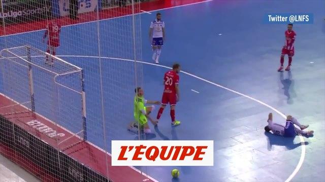 Un joueur refuse de marquer après la blessure de son adversaire - Futsal - WTF