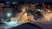 Ils déneigent des mètres de neige au Canada !