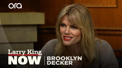Activism, 'Grace and Frankie', playing Mallory -- Brooklyn Decker answers your social media questions