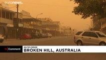 Пыльная буря выкрасила Брокен-Хилл в оранжевый цвет