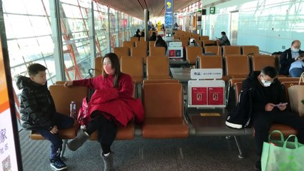 Few passengers bound for Wuhan amid virus lockdown