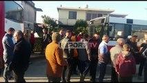 Protestë në Fier, nxënësit dhe mësuesit në Darëzezë  Rrimë në këmbë në autobus, ska ngrohje e frena