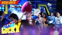 Piling Lucky contestants touch Genie-Pon as a lucky charm ,  Its Showtime Piling Lucky