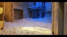 Tempête Gloria : des vagues déferlent dans les rues des villes de la côte est espagnole