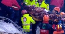 Son Dakika: 14 saat sonra bir kadın daha enkaz altından çıkarıldı