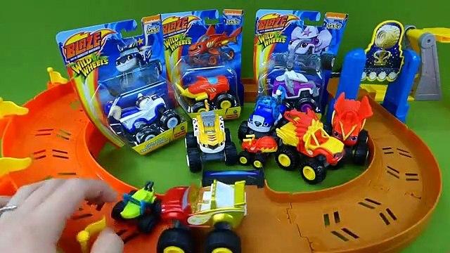 Blaze and the Monster Machines Toys Animal Island Shark Blaze Elephant Starla Squirrel Darrington-