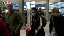 Coronavirus : les passagers du dernier vol en provenance de Wuhan à Roissy