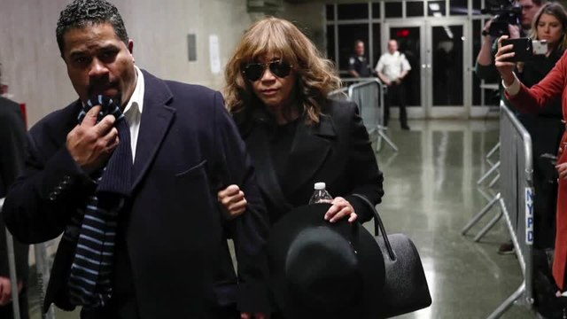 Actress Rosie Perez backs up Sciorra account in Weinstein rape trial