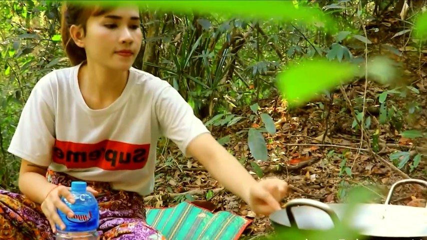 Beautiful girl Primitive Cooking | Yummy Cooking Giant Lobster In Forest Prepared | Survival Skills | Godialy.com