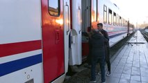 Turkey earthquake: survivors take shelter in trains