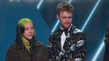 """Billie Eilish remporte le Grammy de la """"Chanson de l'année"""" - GRAMMY AWARDS  2020"""