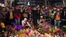 Les fans de Kobe Bryant se réunissent devant le Staples Center à Los Angeles, après la mort de la légende du basketball