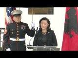 Ora News - Fjalimi i parë i ambasadores së SHBA-së, Yuri Kim: Jemi me ju krah për krah!