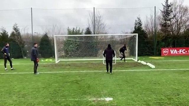 L'entraînement impressionnant de Jérémie Janot pour les gardiens