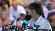 Frustré, Federer se fait reprendre par une juge de ligne