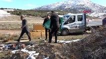 Konya üniversite öğrencileri, sokak hayvanları için barınak yaptı