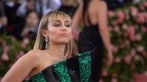 Miley Cyrus et Liam Hemsworth sont officiellement divorcés