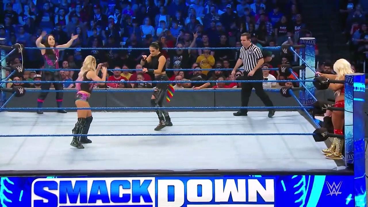 WWE SmackDown | Kadınlar Mücadelesi! (Türkçe Anlatım)