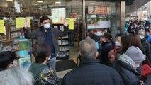 Thousands queue in Hong Kong desperate for masks amid coronavirus outbreak