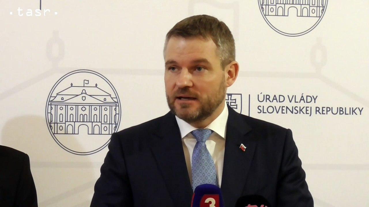 P. Pellegrini: V Číne čakajú na transport do Európy dvaja Slováci